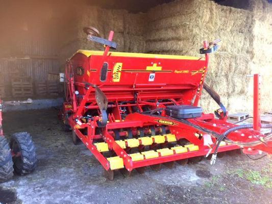 Väderstad 2010 VADERSTAD RAPID 300S SUPER XL 3M TRAILED DRILL C/W SYSTEM DISC, CROSSBOARDS, TRAMLINING, FOLLOWING HARROW AND PRE-EMERGENCE MARKERS.
