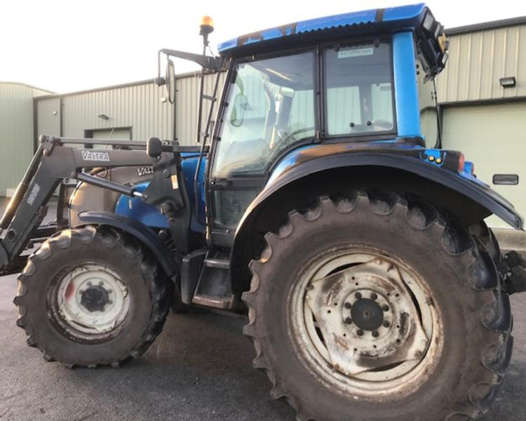 Valtra M130 Tractor 21023409 (CW)