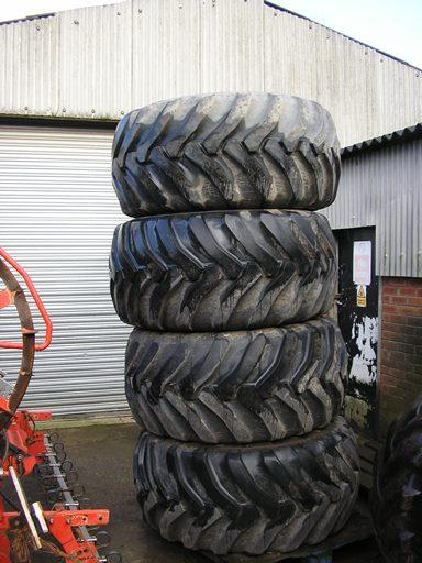 600/55 x 26.5  FlotationWheels and tyres