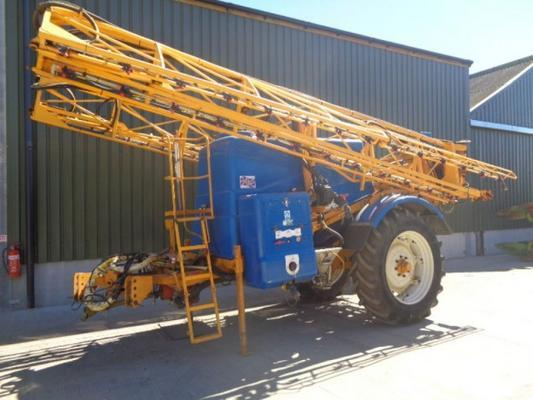 Knight Used  28M Trailed Sprayer