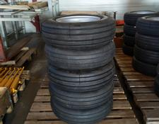 Good Year 30 x 8.8 x R15 met velg