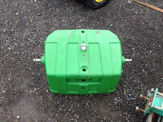 John Deere used jd 900kg front end block