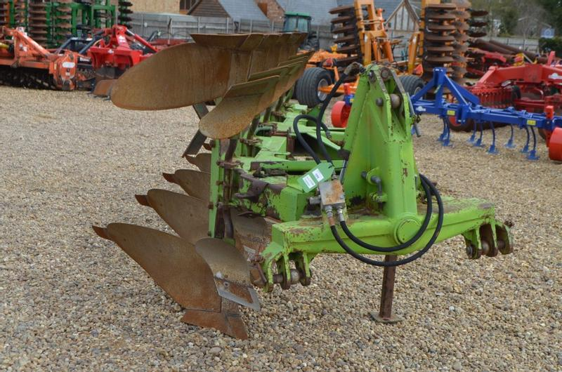 Dowdeswell DP7 D3 PLOUGH