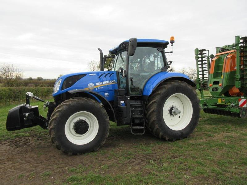 New Holland T7230 A/C Ex Hire