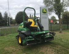 John Deere 7200 PrecisionCut Trim And Surrounds Mower