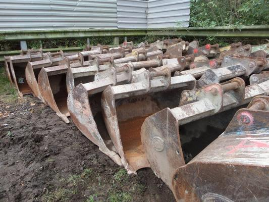 HUGE SELECTION OF GEITH 13 TONNE EXCAVATOR BUCKETS
