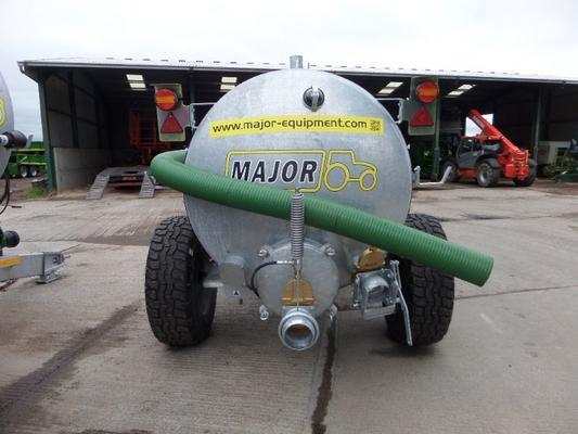 Major NEW  1150 GALLON VACUUM TANKER