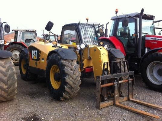 Caterpillar T5004572 - 2011 Cat TH407 AG Telehandler