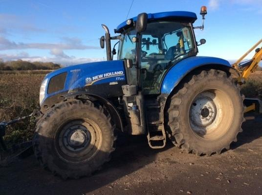 New Holland  T7.210 4WD TRACTOR
