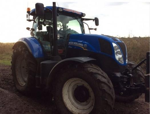 New Holland  T7.210 PC 4WD TRACTOR
