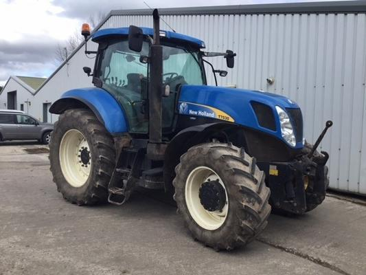 New Holland  T7030 4WD TRACTOR