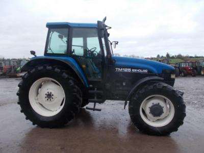 New Holland TM125 CLASSIC