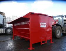 PORTEQUIP DOUBLE SIDED BEEF FEED HOPPERS