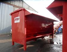 PORTEQUIP SINGLE SIDED BEEF FEED HOPPERS