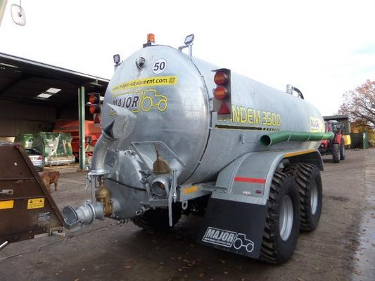 Other MAJOR TANDEM 3500 GALLON VACUUM TANKER