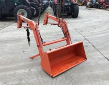 Kubota LA332 Compact Loader and Bucket
