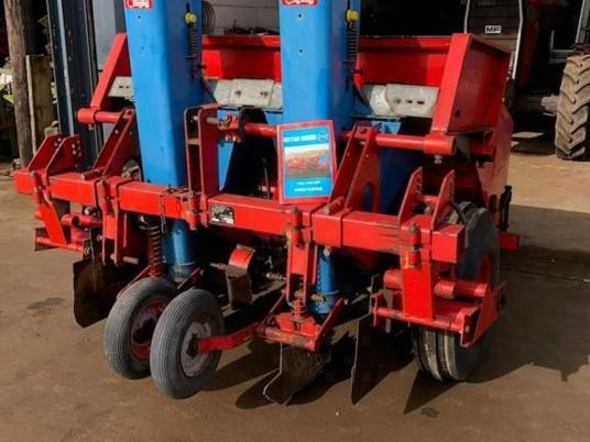 Other KeyAg Gruse 2 row planter