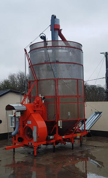 Pedrotti / Master 27 Ton Grain Dryer (Large 270)