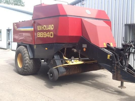 New Holland  BB940 BALER