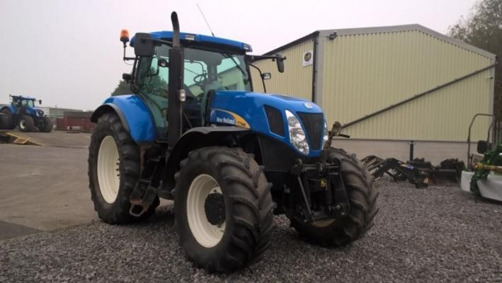 New Holland  T7040 4WD TRACTOR