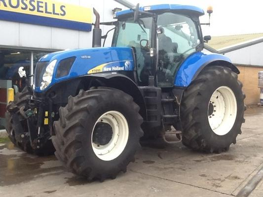 New Holland  T7050 AC 4WD TRACTOR