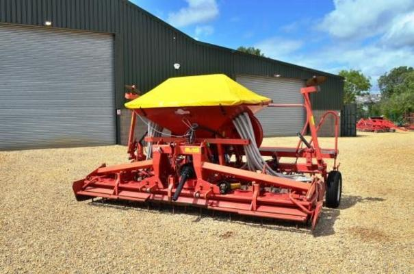LELY COMBI 4M DRILL 9019 (FOR HIRE)
