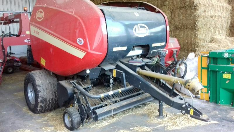 Vicon RF3325 Fixed chamber round baler