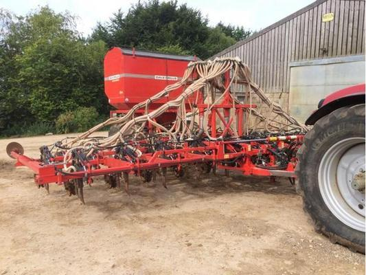 2011 DALE 8M ECO SEED & FERTILISER DRILL C/W 4 TON HOPPER ,RDS ELECTRIC CONTROLLER WITH VARIABLE RATE FACILITY, SLUG PELLETER