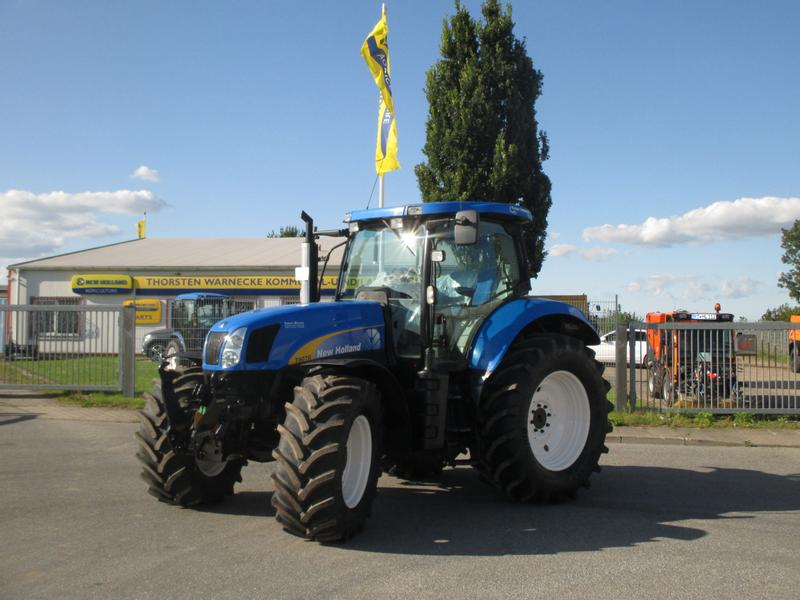 New Holland T 6070 Range Command