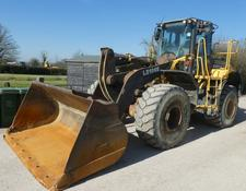 Bell l2106e loading shovel year 2012