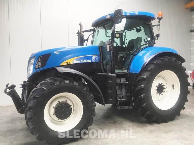 New Holland T7030 4WD