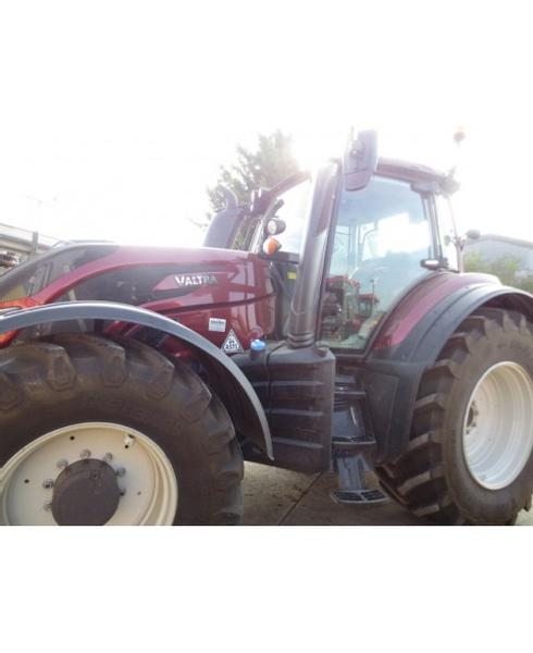 Valtra T214D Smart Touch (WX18 AXA)