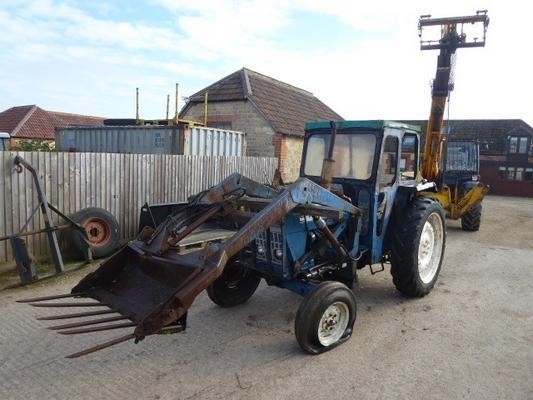 Ford  4000 LOADER TRACTOR
