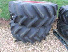 Goodyear Pair of 620/75 R 26  Flotation Fronts, off Fendt