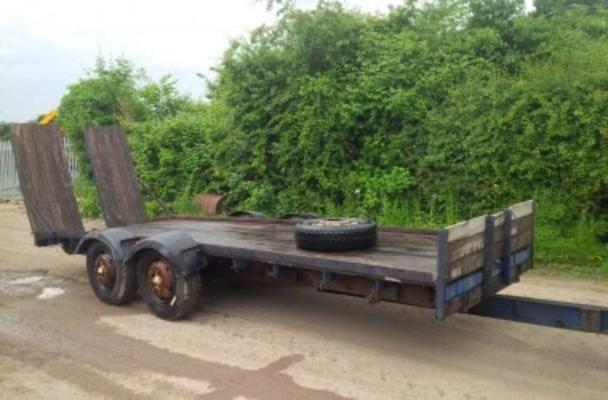 Other TANDEM AXLE FLAT TRAILER WITH RAMPS