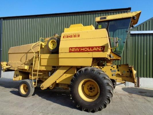 New Holland Used  8055 Combine