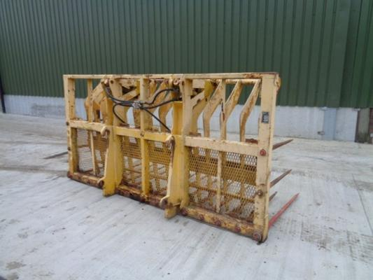 Used Sutton 3 Meter Buckrake