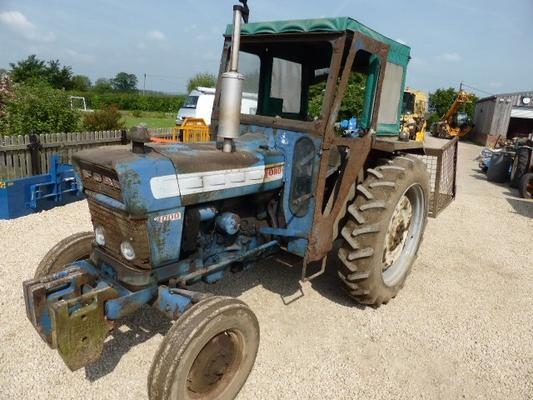 Major FORD  4000 TRACTOR