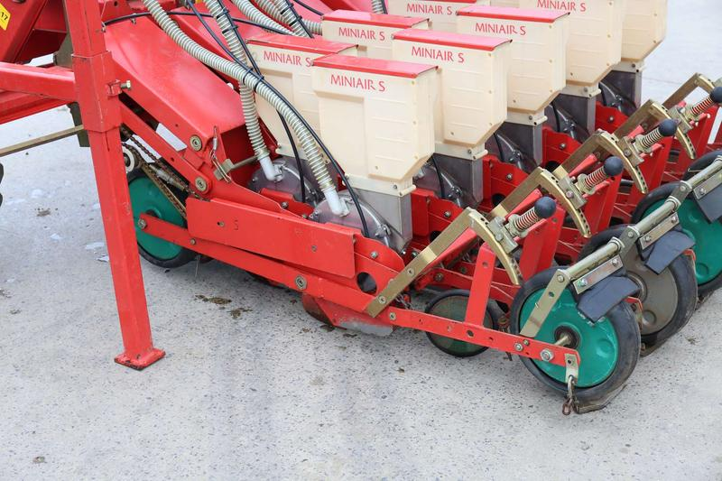 Accord 10 Row Veg Precision Miniair Drill