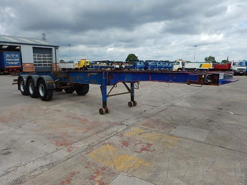 CRANE FRUEHAUF 40FT FIXED SKELETAL TRAILER - 1995 - A205846