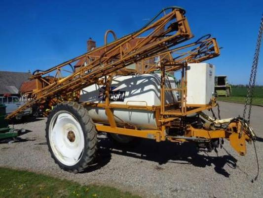 Knight Used  21M Trailed Sprayer