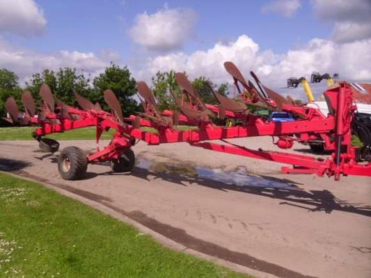 Used Kuhn Manager 7F Auto-Reset Plough