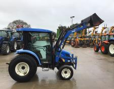 New Holland Boomer 3045 Tractor (ST5951)