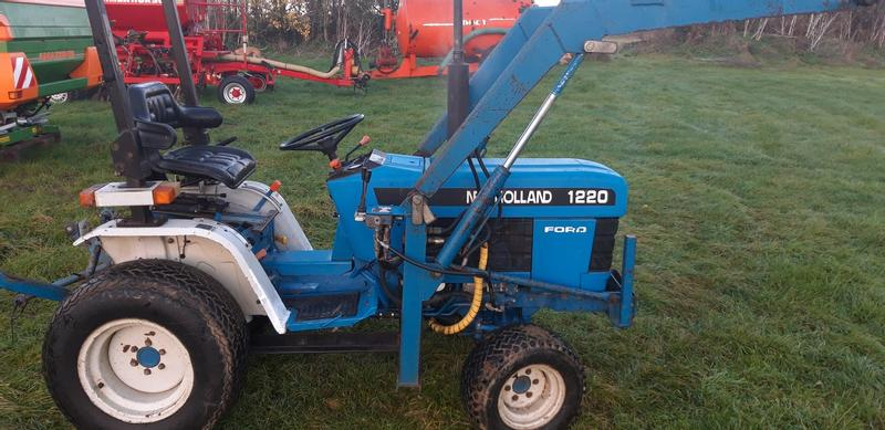 New Holland 1220