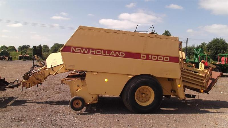 New Holland New Holland D1000 baler