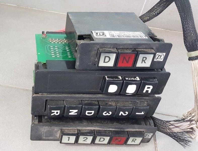 Voith Gear Selector automatic transmission / ZF