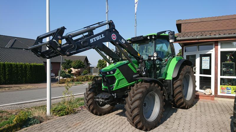 Deutz-Fahr Agrotron 6120 Aktionsmaschine