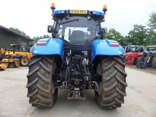 New Holland  T7-200