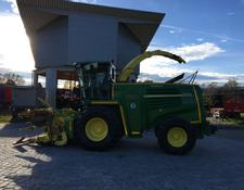 John Deere 7400 Häcksler mit Pick Up