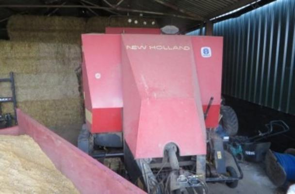 New Holland 1994  D1010 SILAGE BALER